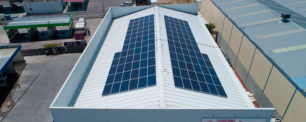 Sistema Coplanar a dos aguas Autoconsumo fotovoltaico industrial