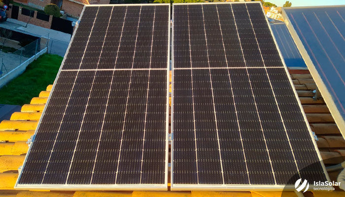Paneles Solares con Baterías Autoconsumo Residencial en Serranillos del Valle Madrid