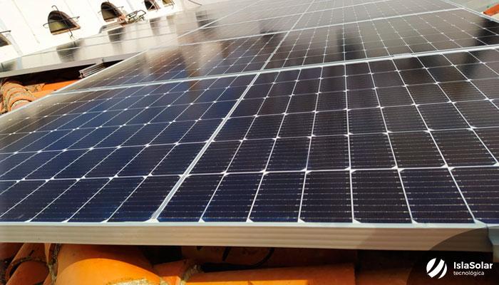 Paneles Solares con Baterías Pozuelo de Alarcón JA Solar