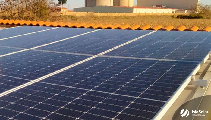 Paneles solares en casa de Benavente Zamora