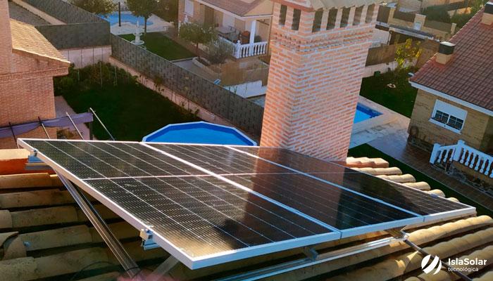 Placas Solares con Baterías Autoconsumo Residencial Madrid Serranillos del Valle